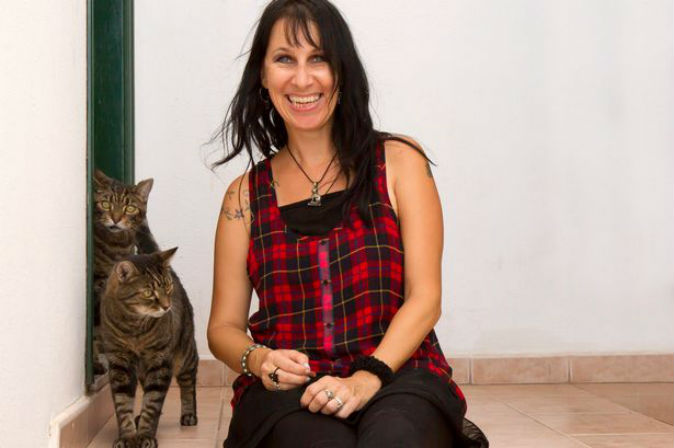 Woman marries her cats