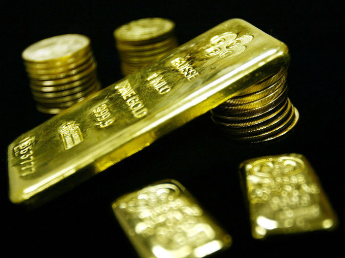 Mint worker 'stole £100,000 in gold by shoving it up his backside'