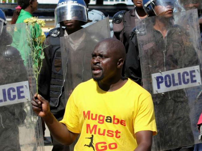 Anti-Mugabe protests turn violent in capital Harare