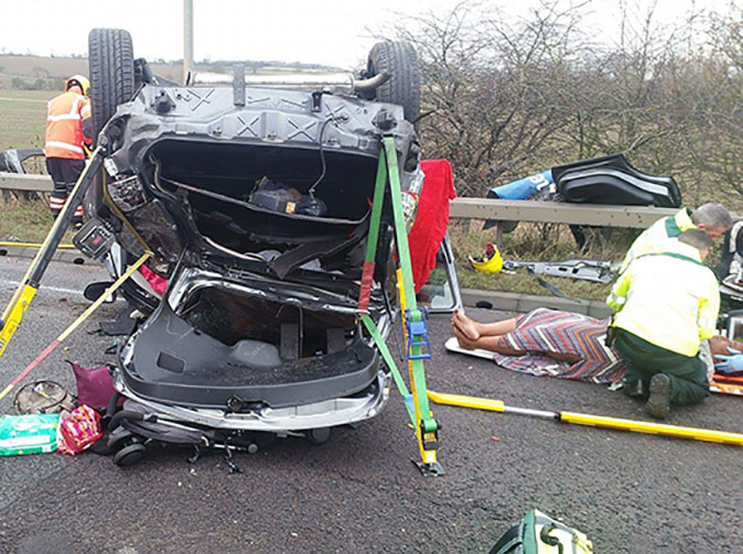 Drunk mum flips car at roundabout, crashes with baby in back seat