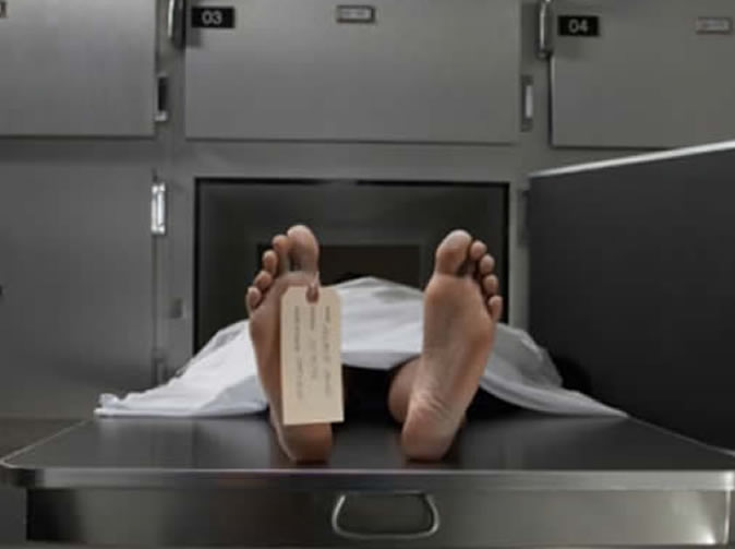 Dead man starts moving on way to mortuary