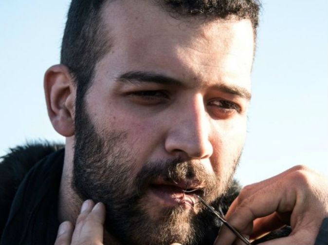 Refugees who sewed mouths shut end hunger strike