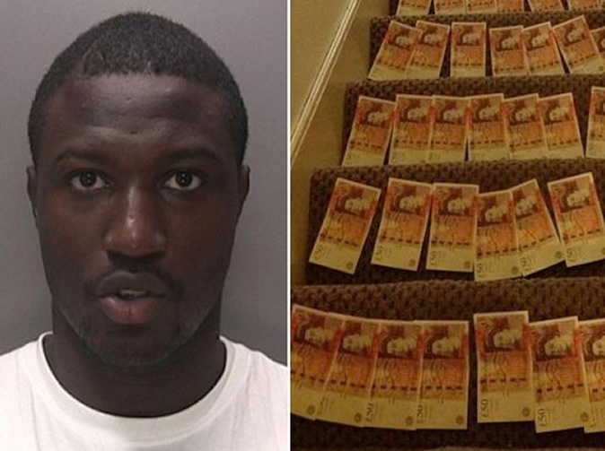 Thief jailed after taking photos of loot