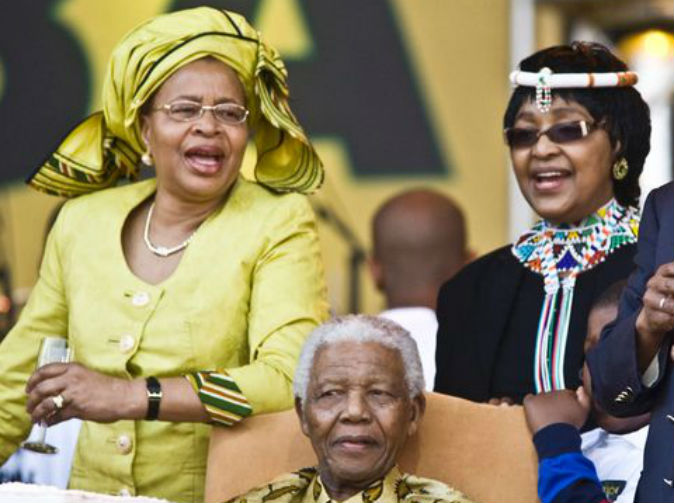 Residents want Graca Machel out and Winnie back in Mandela's house