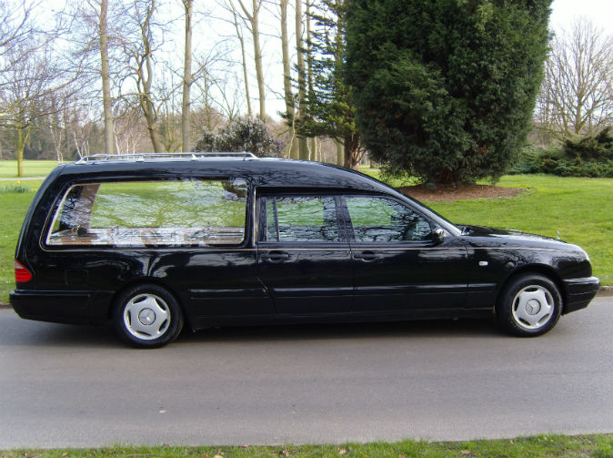 Undertaker loses hearse and corpse after 'stopping for a boozy lunch' while driving body