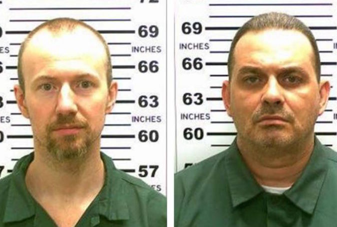 Female prison worker helps killer escape because he is 'well endowed'