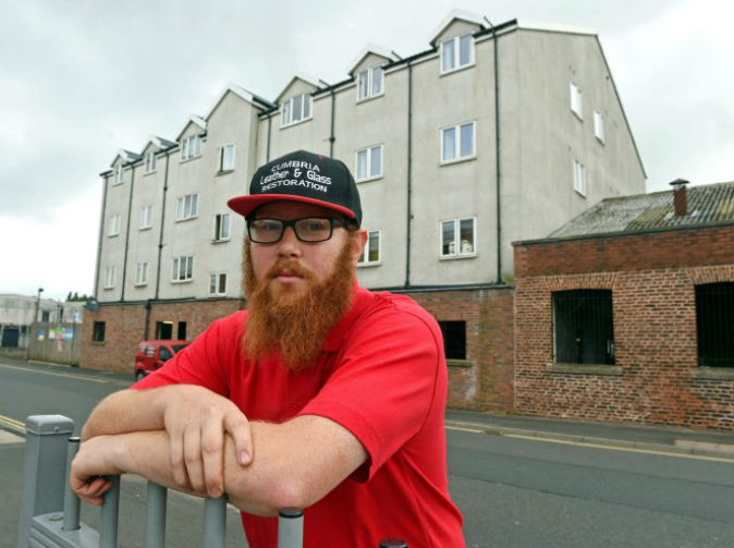 Man tries to sell house, realises he actually owns the house next door