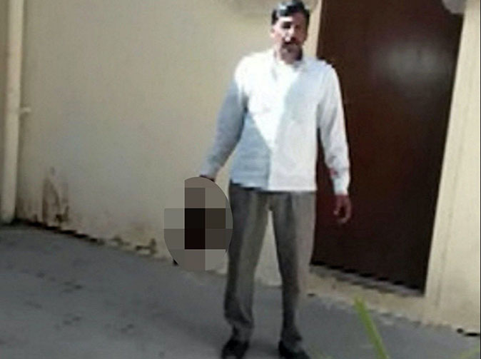 Man cuts wife's head with a sword, walks for 5 miles carrying the head