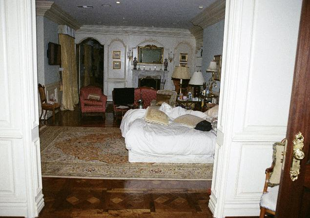 Michael Jackson's Bedroom Was A Mess, Littered With