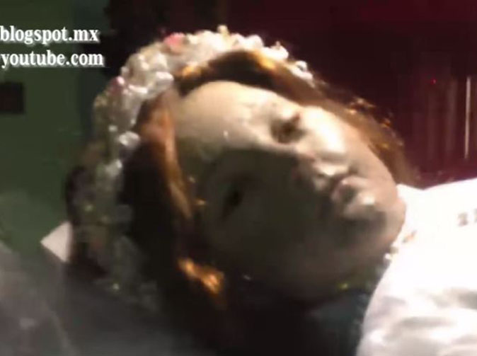 300-year-old corpse of child saint 'suddenly opens eyes'