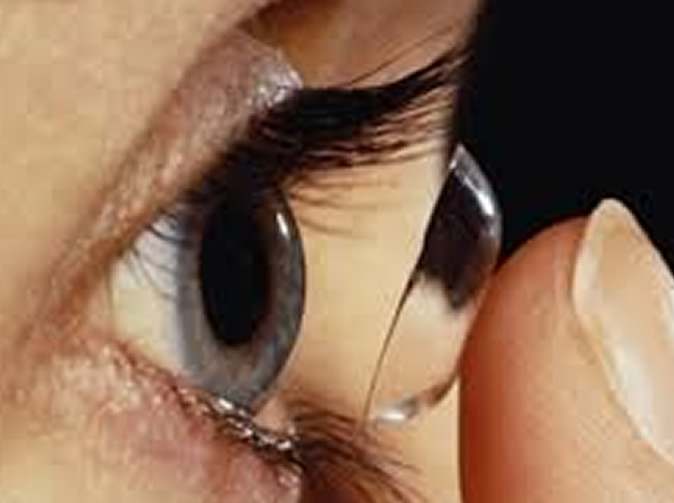 Student's eyeballs eaten by bug in her contact lenses