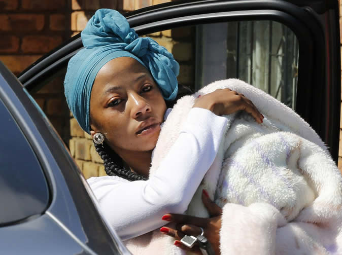 Kelly Khumalo hit by sim card scam, Meyiwa's family furious at her