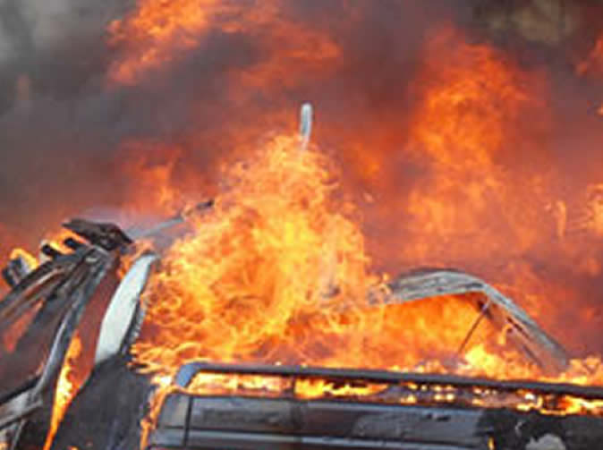 Jealous wife burns 'cheating' husband's car