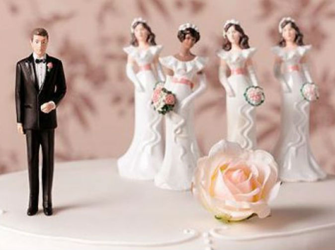 Female sexuality 'more fluid' because of polygamy: Theory