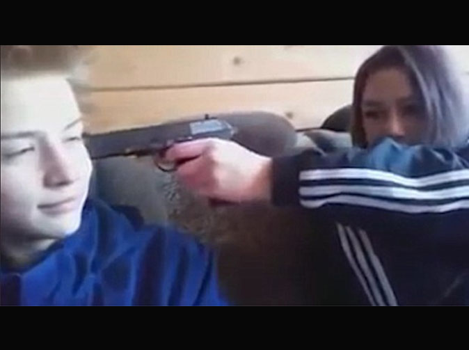Teenagers live stream shoot-out with police before killing themselves