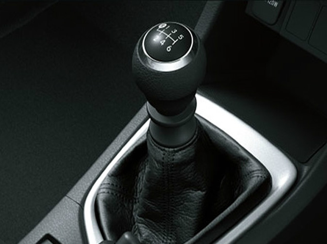 Would-be hijackers fail to steal car because they couldn't operate manual gearbox